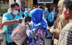 Forkom IKA Smansa Kendari Angkatan 90 Gelar Baksos Ramadan