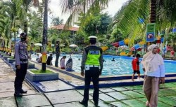 Antisipasi Kerumunan Pasca Lebaran Polres Baubau Siaga di Lokasi Wisata