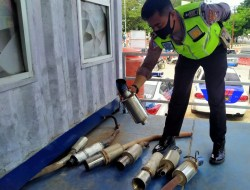 केंदरी पुलिस ट्रैफिक यूनिट द्वारा छापेमारी के दौरान बोगार निकास का उपयोग करने वाले कुल 15 वाहनों को पकड़ा गया