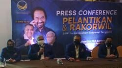 Wakil Ketua Umum DPP Partai NasDem, Ahmad Ali (kedua dari kanan) bersama Ketua DPW Partai NasDem Sultra, Ali Mazi (ketiga dari kanan). (Foto: La Niati/SULTRAKINI.COM)