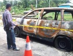 Aneh, Tiga Hari Terparkir Mobdis DPRD Wakatobi Mendadak Terbakar