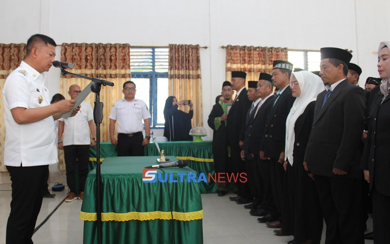 Wakil Bupati Konawe Gusli Topan Sabara, saat melantik 65 Kepala Sekolah (KS) se Kabupaten Konawe, di ula Diknas Konawe, Rabu (1072019)