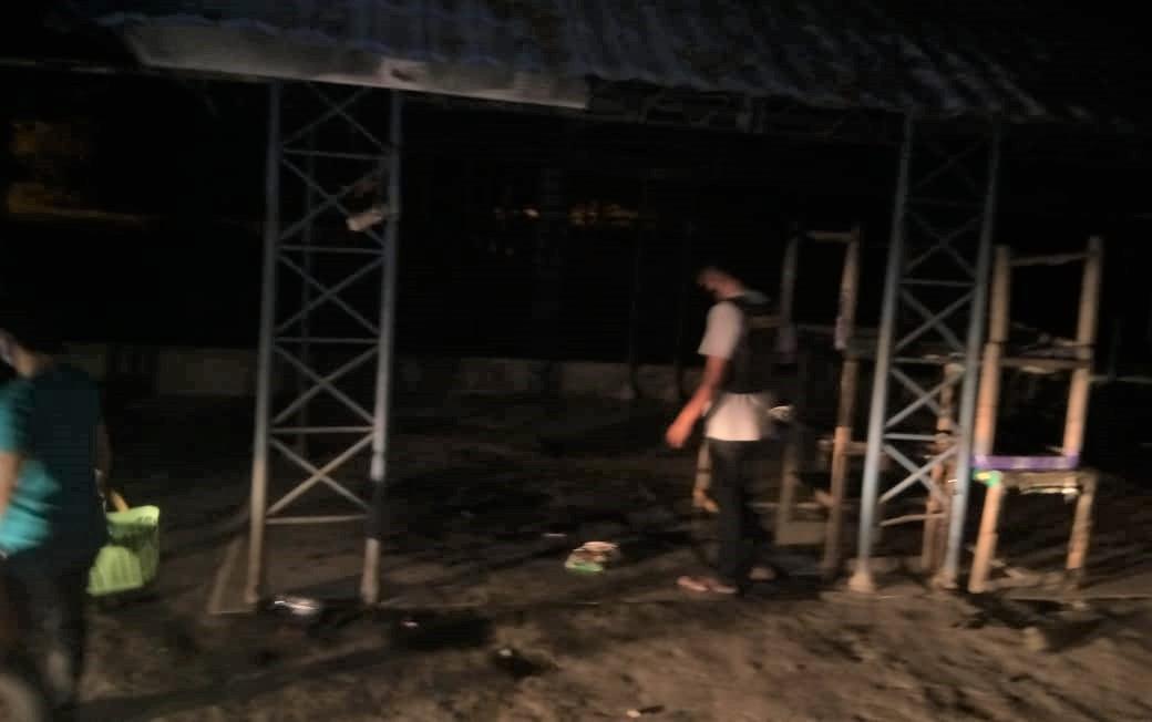 Kios Dibakar