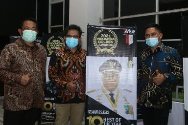 "Gubernur Ali Mazi Terima Penghargaan The Best Governor Pada Acara ""2021 INDONESIA GOLDEN AWARDS """