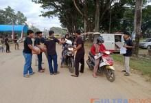 Di Bulan Ramadhan, ASR Koltim Berbagi Takjil Di Kecamatan Ladongi