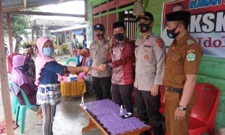 26 KK di Desa Tetewonua Terima BLT, Kades Nurdin: Mudah-mudahan Bisa Memberikan Manfaat