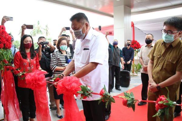Dari 180 Kamar, Ada 50 Kamar untuk Pasien Covid, Gubernur Olly Resmikan RS Dr JH Awaloei