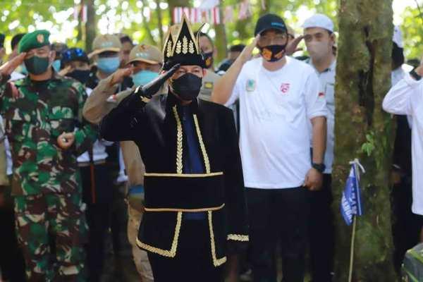 Cetak Sejarah, Walikota GSVL Irup pada Ucapara Peringatan Detik – Detik Proklamasi Kemerdekaan ke 75 Tahun di Puncak Manado Tua