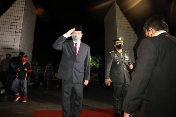 Renungan Suci di TMP Kairagi, Wagub Kandouw Bareng Forkopimda Beri Hormat ke Para Pahlawan
