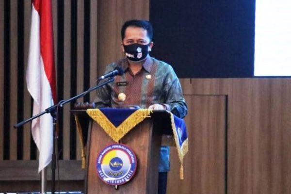 Pjs Gubernur Fatoni Beri Motivasi Kepemimpinan kepada Aparatur Kecamatan Perbatasan Negara