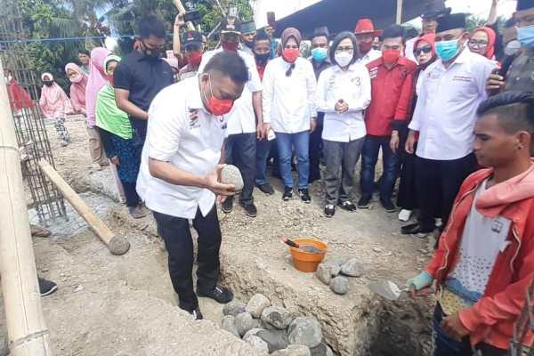 Kunjungi Bolmong, Olly Bantu Rumah Ibadah