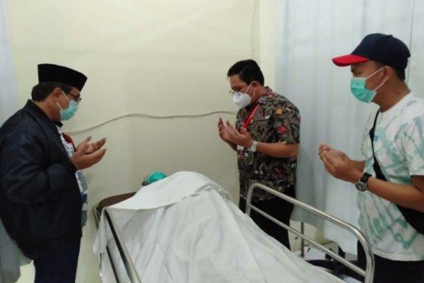 Asisten II Pemprov Sulut Praseno Hadi Dampingi Almarhum KH Rizali M Noor dan Keluarganya di Kalimantan