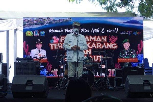 Penanaman Terumbu Karang dan Sapu Laut, Walikota: Lestarikan Taman Laut Bunaken dan Teluk Manado