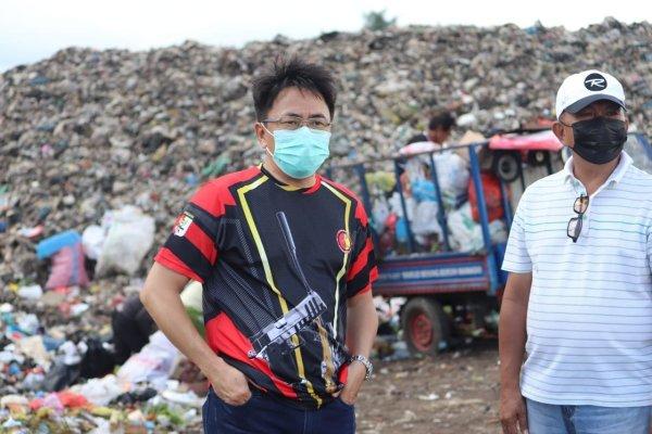 Tak Kenal Lelah, Hari Libur Walikota Angouw Kunjungi TPA Sumompo