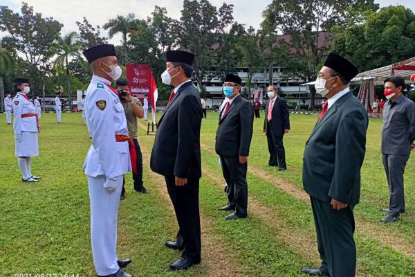 Wagub Kandouw Kukuhkan 28 Anggota Paskibraka Provinsi Sulut