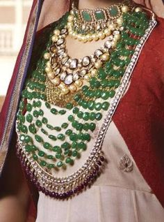 Mughal jewellery  CoLlEcTiOn oF jEwElLeRy