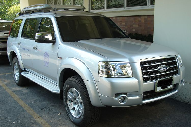 Ilustrasi Ford Everest generasi kedua