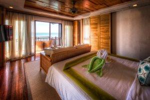 Berjaya Resort – widok z sypialni z domku na wodzie | Langkawi, Malezja