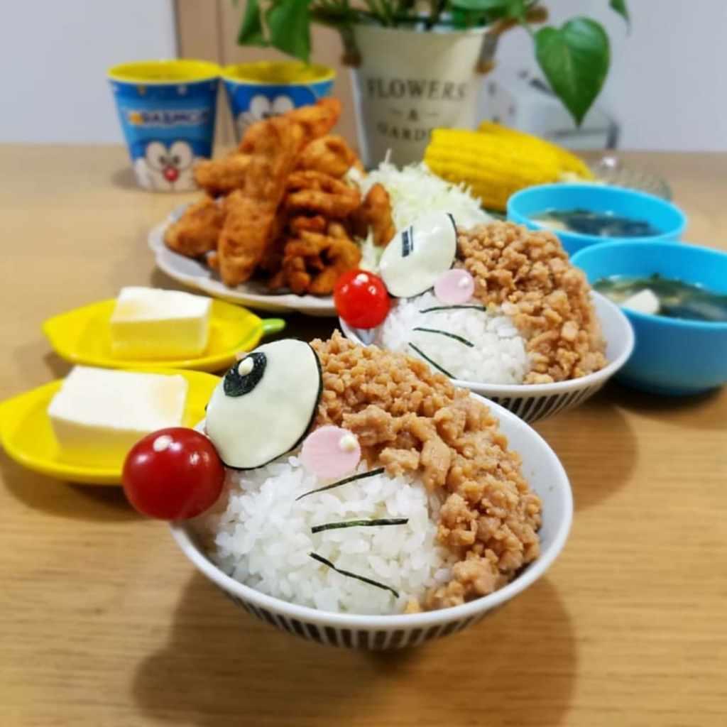 哆啦A夢造型納豆配飯 Photo by @meguo1019
