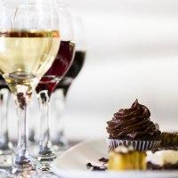 Cómo maridar vinos y postres, los mejores vinos para después de comer