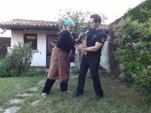 Pendekar Victor De Thouars Serak Knife Fighting knife-fighting-serak-knife-combat-3