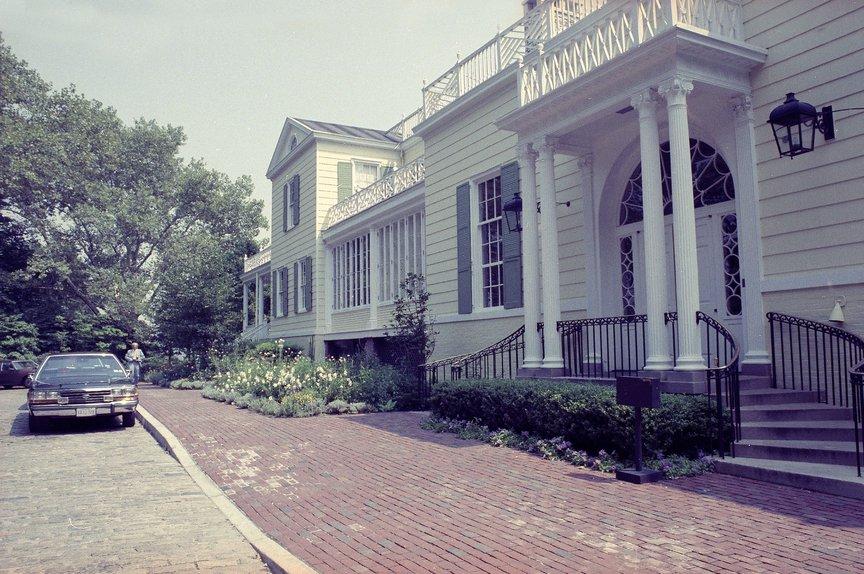 Gracie Mansion, 1990.