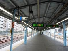 JR横須賀駅のプラットホーム