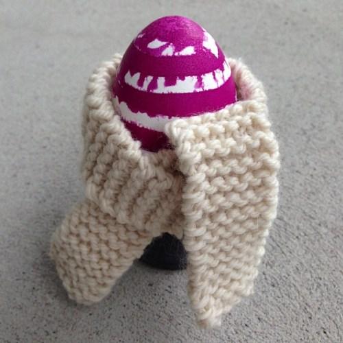 Osterei mit Schal