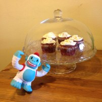 Cupcakes - said he. Me love cupcakes! Oh Yetti Freddie, what are you plotting now?