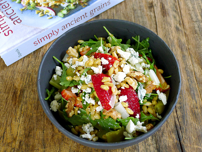 Kamut salad with strawberries