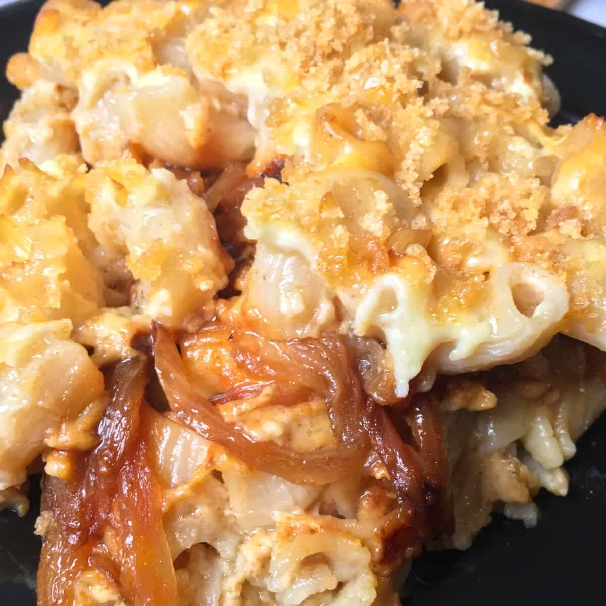caramelized onion mac and cheese