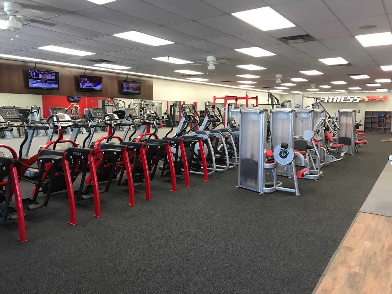 Summit Keeps Living Fit Gyms in Good Condition, by Servicing the Gyms Twice, Weekly