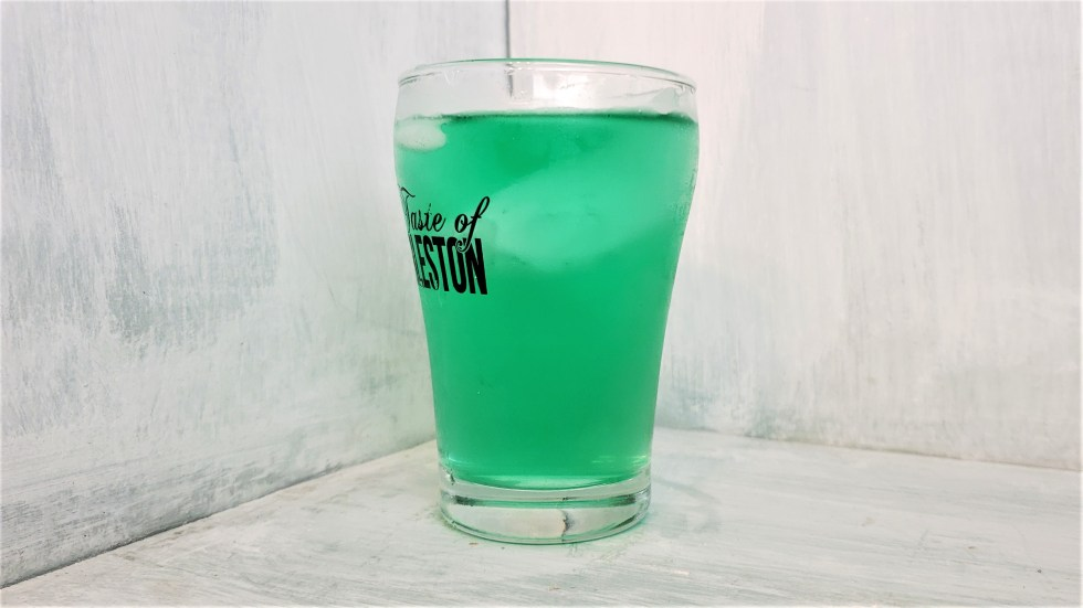 3 Simple Green St. Patrick's Day Drinks Easy to make vodka alcoholic cocktail