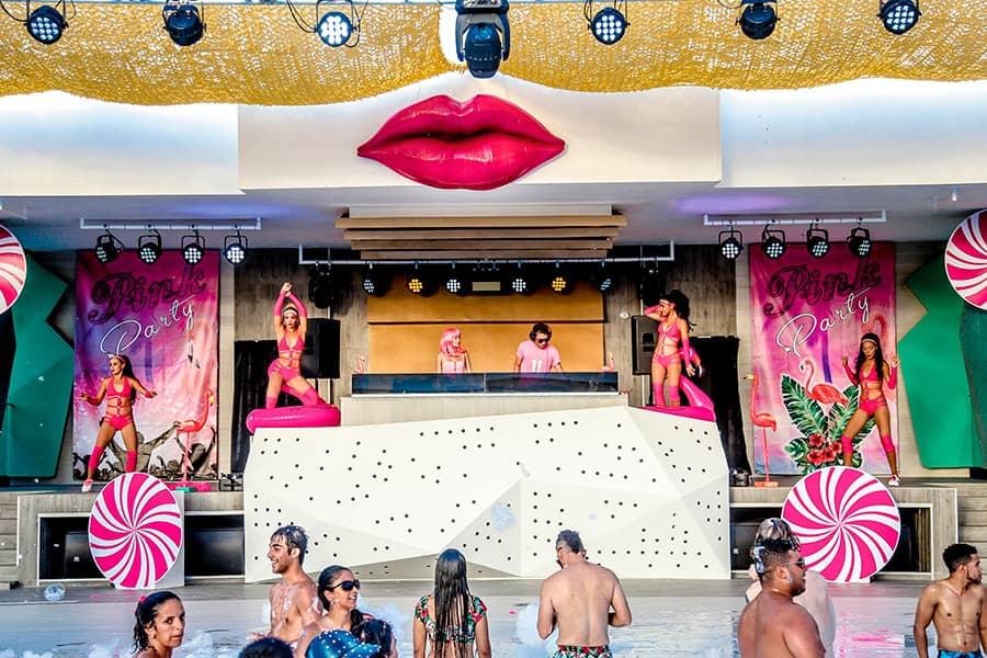 pool-parties-hotel-riu-palace-bambu-2_tcm55-212110