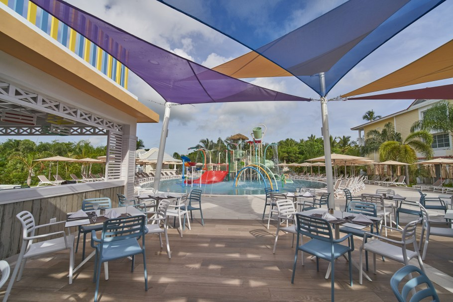 lbpesm_rdo_pool_waterpark_002_low