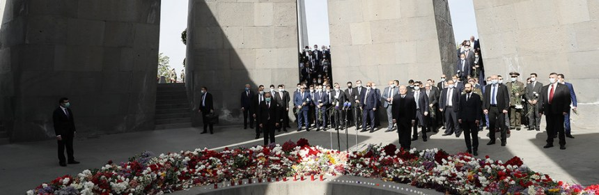 Armenian Prime Minister Nikol Pashinyan honors victims of Armenian Genocide.