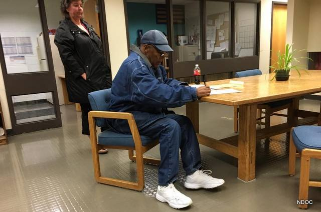 OJ Simpson Released From Lovelock Correctional Center