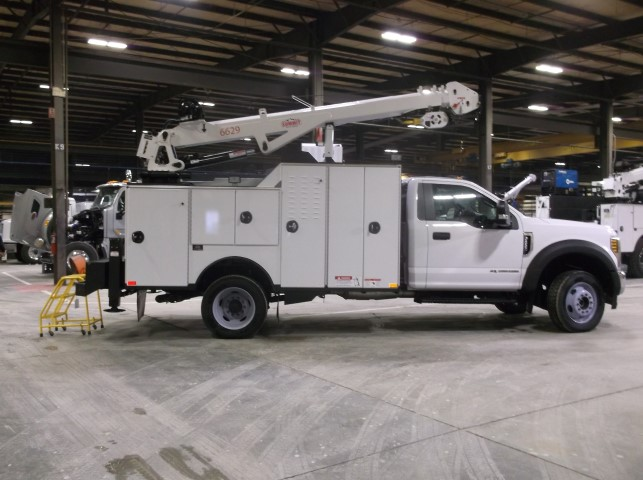summit-truck-equipment-service-truck
