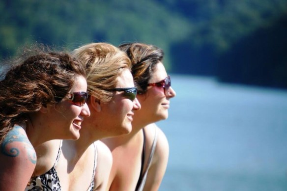 Chelsea with her mother and her sister Marissa at the lake
