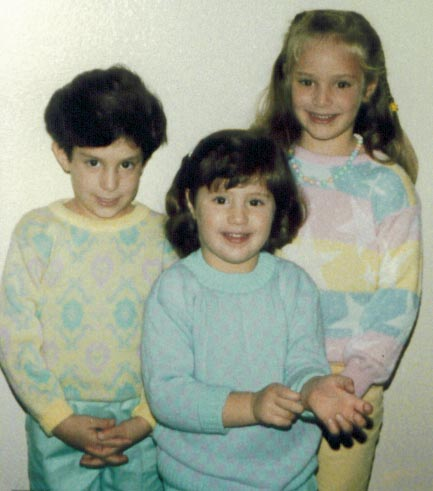 Chelsea and her sisters in 1987