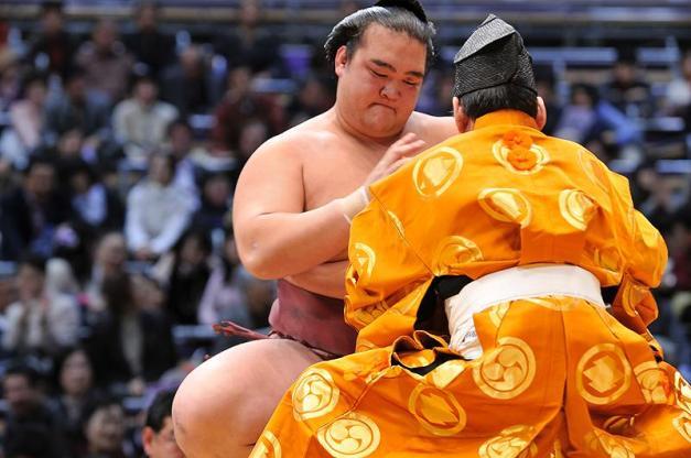 El Ozeki Kisenosato deberá de ganar este torneo si quiere ser promovido a Yokozuna (Foto: Martina Lunau)