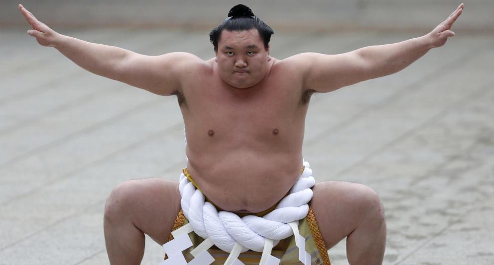 Grave lesión de Hakuho