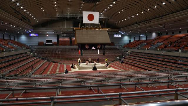 Covid-19 sumo Osaka
