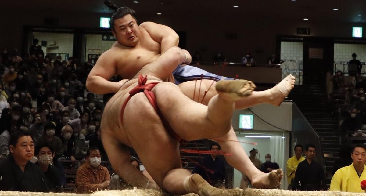 Tobizaru vs Takayasu