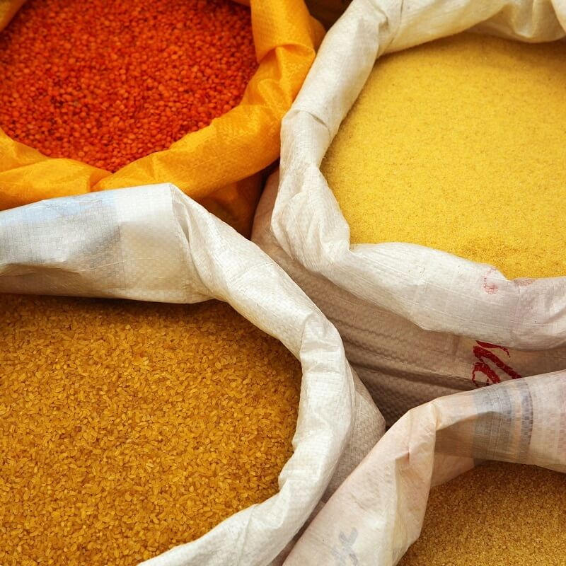 Dry Products | Sump & Stammer GmbH | International Food Supply - Our comprehensive program of food products also includes dried goods. Baking Products - Coffee and Tea - Pasta - Rice and Pulses - Asian Products - Confectionary - Canned Fruit and Vegetables
