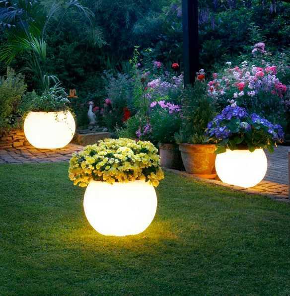 10 Gambar Lampu Hias Taman Indah RUMAH IMPIAN