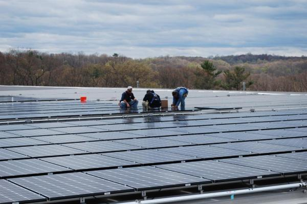 Installing Commercial-Solar-Flat-Roof Connecticut