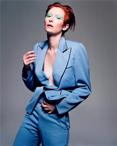 Тильда Суинтон в образе Дэвида Боуи