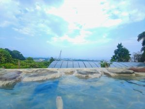 【別府 いちのいで会館】天然成分で青色になる!?美しい青色湯温泉✨別府の町を一望出来る山中の秘湯♨