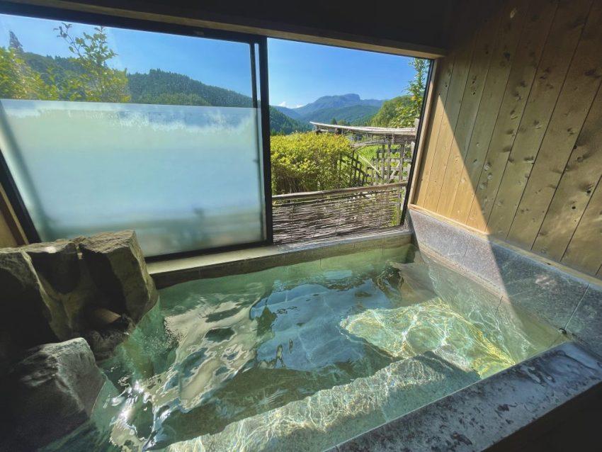 【玖珠郡 四季彩の湯】この家族湯が1000円!?最高の満足度の温泉・家族湯に入れる山間秘湯♨